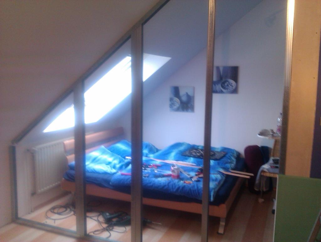 das loch ist zu oder die wand ist da andere sichtweise. Black Bedroom Furniture Sets. Home Design Ideas